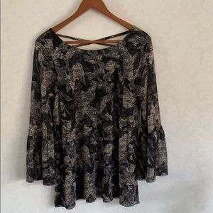 Cable & Gauge Nylon Blouse w/ 3/4 Bell Sleeves
